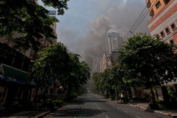bangkok-20100519-0015-editB1163492-C477-A940-30A7-46822B1BA412.jpg