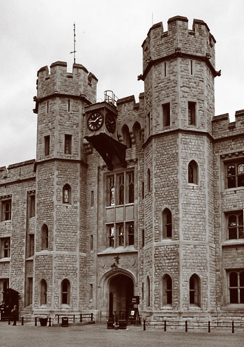 Entrance to the Jewel House at the Tower of London. Photo: Wikimedia