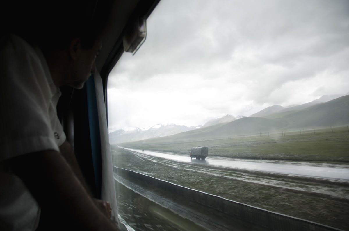 Trainspotting Dana Schorr admires the scenery on the Qinghai-Tibet railway. Photo: Richard W. Hughes