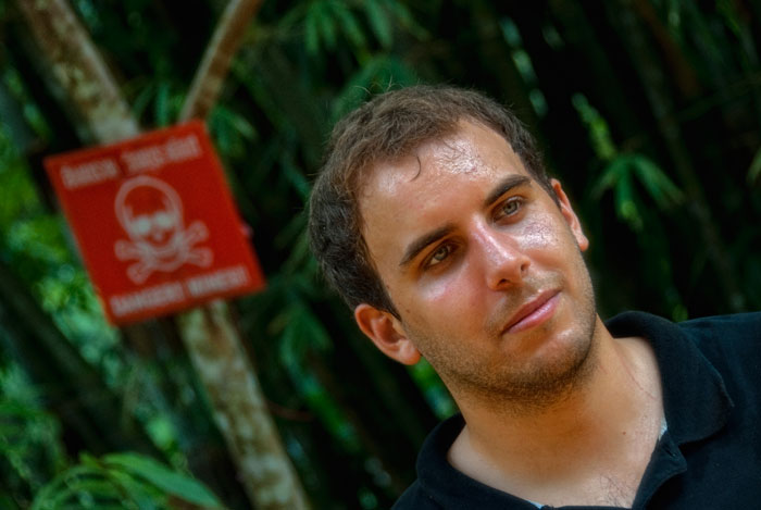 Philippe Ressigeac near the Thai-Cambodian border at Ban Mamuang in Thailand's Trat province Philippe Ressigeac near the Thai-Cambodian border at Ban Mamuang in Thailand's Trat province. Land mines lie on both sides of the road, remnants from the days of the Vietnamese-Khmer Rouge war.